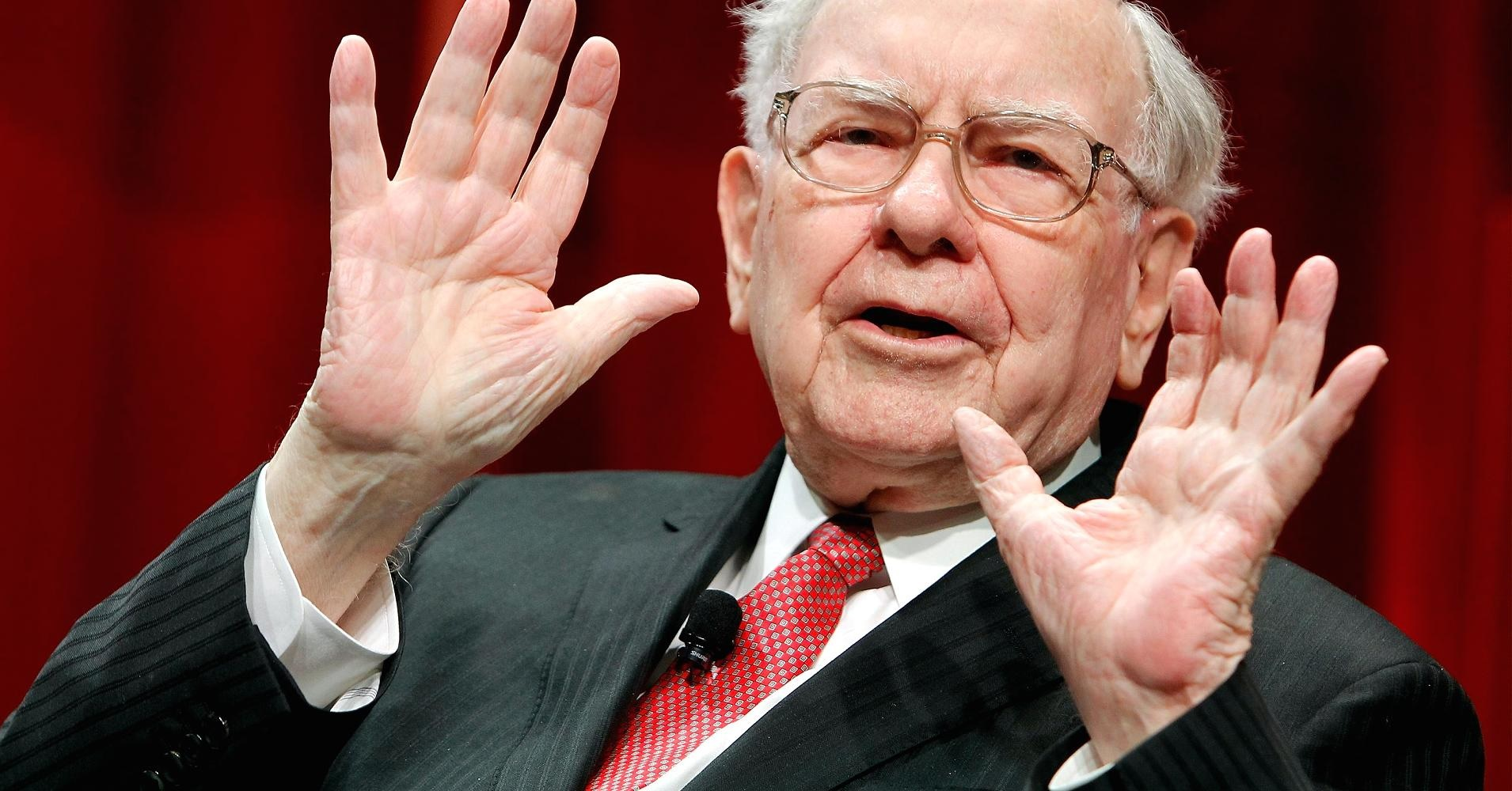 Warren Buffet Public Speaking Confidence Tips